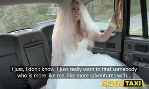 Fake taxi bride to be runs away from her wedding