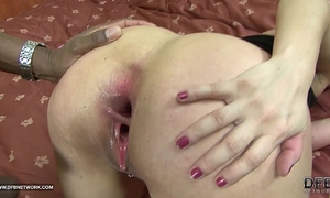 Old woman coarse anal with jizz flow interracial fuck large 10-Pounder
