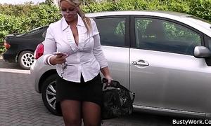 Working blond bbw in nylons widens legs