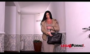 Business woman Inna Innaki needs her wet pussy fucked really hard GP277