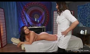 Tranny masseuse fucks tied up babe