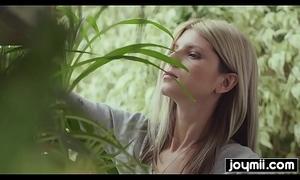 Cheating girlfriend Gina G wants gardeners cum