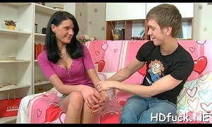 Cute dilettante hussy gets incredible pleasures be worthwhile for the brush pussy
