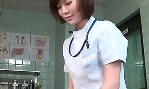 Subtitled CFNM Japanese female doctor gives come what may cook jerking
